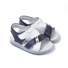 Caroch   Cody   Boys Sandals A funky boys sandal featuring cross-over straps.