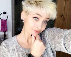 Paris (age 18) in April 2016