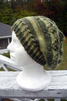 So this slightly slouchy hat pretty much just made itself – it's supposed to be for my babydaddy, but oh dang, it sure looks cute on me. Maybe it will be too girly for him. ;-) I…