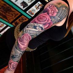 By @joe_carpenter #sleeve #sl #art #altmodels #altmodels #armtattoo #ink #inked #inkedgirls #inkedwomen #inkedmodels #womenwithink #womenwithtattoos #girlswithtattoos #girlswithtattoos #tattoo...