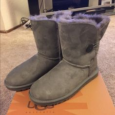 Uggs Bailey button grey size 9 worn once I'm perfect like new condition. Only worn once not my style. Size 9 cows with box UGG Shoes