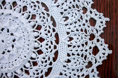 White crochet doily 11 inches White pineapple doily Crochet pineapple doily Round crochet doily Doily for table Bedroom decor - pinned by pin4etsy.com