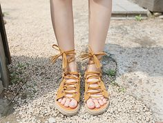 Get your feet ready for hot summer days with a pair of comfy breezy sandals! Korean Street Fashion, Asian Fashion, Daily Fashion, Everyday Fashion, Summer Days, Gladiator Sandals, Bling Bling, Casual Outfits, Footwear
