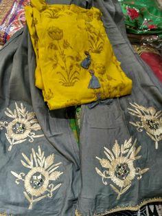 Indian Saris, Indian Wear, Pakistani Dresses, Indian Dresses, Jamawar Dresses, Kurti With Jeans, Plazzo Suits, Suits For Women, Clothes For Women