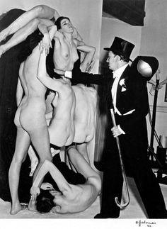 "1951: Preparando la obra ""In Voluptas Mors"". Salvador Dali."