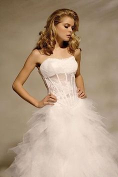 robe de marié Mirella collection 2013 modele Topaze  - Bouches du Rhône | Robes de mariée d'occasion | Scoop.it