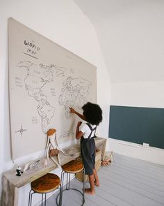 Adorable vintage kids playroom ideas to inspire you. Check this adorable playroom to help you to do a makeover on your kid's playroom with a classic style. Playroom Decor, Kids Decor, Playroom Ideas, Decor Ideas, Blue Playroom, Lamp Ideas, Deco Kids, Montessori Room, World Map Canvas