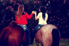 Best friend photoshoot Ideas me and my best friend <3