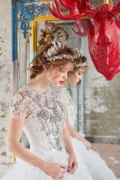 #Weddings #WeddingDress #SophieDesign #CrystalWeddingDress