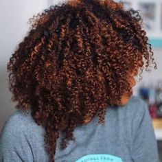 When the color comes out FLAWLESS > I've been thinking about coloring my hair on my own and coloring these Fro Kink… Dyed Natural Hair, Natural Hair Tips, Natural Hair Journey, Natural Curls, Dyed Hair, Natural Hair Styles, Color On Natural Hair, Natural Hair Highlights, Natural Life