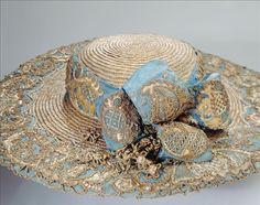 Walking hat (image 1) | France | 1770 | silk, straw, lace | Palais Galliera, musée de la Mode de la Ville de Paris | Museum #: GAL1994.234.3