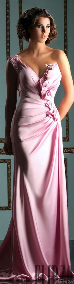 Mireille Dagher Spring Summer 2013 Ready to Wear. Wish I was young and had the figure, This is a Dream Dress Elegant Dresses, Pretty Dresses, Formal Dresses, Beautiful Gowns, Beautiful Outfits, Gorgeous Dress, Robes Glamour, Wedding Bridesmaid Dresses, Wedding Gowns