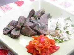 KataKonyha: Sertésmáj lecsóval és rizzsel Beef, Ethnic Recipes, Food, Meat, Essen, Meals, Yemek, Eten, Steak