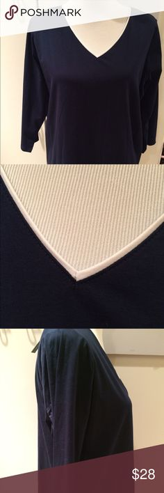 """Jones New York Woman Top 1X Navy/white trim NWT!  Nice top with Stretch for comfort. 26"""" long 23"""" underarm to underarm. 3/4 Sleeves Jones New York Tops"""