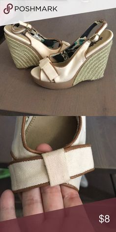 b53b5cb4b008 Tan platform sandals -Cream color fabric with light brown edging -Fabric  bow on the