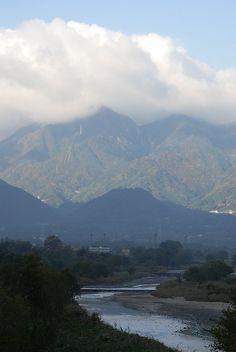 菰野町菰野地区 御在所岳と三滝川   平成24年11月18日撮影