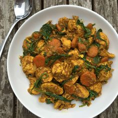 This aubergine and chickpea curry is packed with fibre,a healthy dose of greens and the anti-inflammatory spices ensure that it's full of flavour.