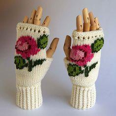 Rose Fingerless Gloves Kit