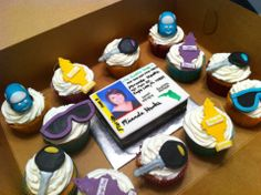 A drivers license themed cake with matching cupcakes. Boys 16th Birthday Cake, Sweet 16 Birthday, Birthday Cupcakes, Birthday Parties, Birthday Ideas, Crystal Cake, Cupcakes For Boys, Occasion Cakes, Celebration Cakes