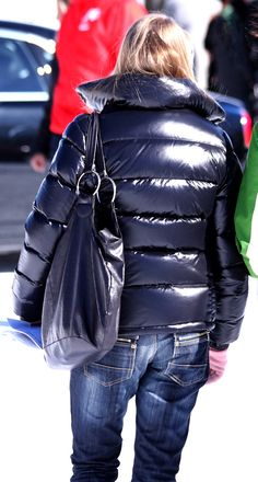 Black Moncler down jacket Fall Fashion Outfits, Winter Fashion, Nylons, Down Puffer Coat, Puffy Jacket, Jacket Style, Mantel, Girls, Jackets For Women
