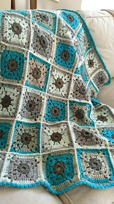 Baby blanket or baby room's decor - I still can't decide, but I know that I love it! #babyblanket #baby #babyroom #decor #crochet #handmade #na2kuki #yarn