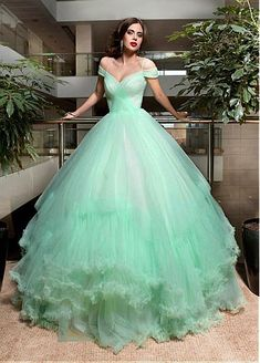 Marvelous Tulle Off-the-shoulder Neckline Ball Gown Wedding Dresses With Spaghetti Straps