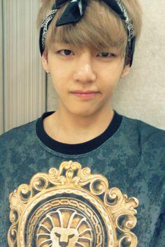 Taehyung [V BTS] ....... No, its not baekhyun ok