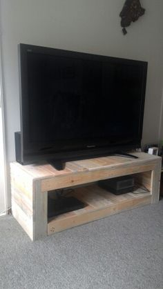 Diy Pallet TV unit from 2 pallets