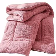 Thicken Shearling Blanket Winter Soft Warm Bed Quilt for Bedding Twin Full Queen King Size Material: Shearling Color: Pink, White, Camel,Brown Machine Washable Size & Weight: Twin / inchs Full / inchs Queen / inchs King / inchs Packing Includes: 1 x . Dream Bedroom, Home Bedroom, Bedroom Decor, Bedrooms, Bedroom Ideas, Master Bedroom, Room Interior, Interior Design Living Room, Camas Twin