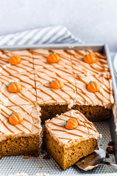 This Pumpkin Cake is so moist and fluffy. Topped with a luscious Caramel Pumpkin Spice Cream Cheese Frosting, this will certainly become your new Fall fave! Pumpkin Cake Recipes, Pumpkin Cupcakes, Pumpkin Dessert, Pumpkin Cinnamon Rolls, Baked Pumpkin, Best Pumpkin, Pumpkin Spice, Pumpkin Sheet Cake, Fall Baking