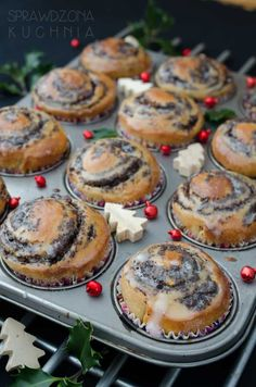 Bułki makowe   Sprawdzona Kuchnia Sweets Cake, Cookie Desserts, Holiday Desserts, Vegan Desserts, Holiday Recipes, Dessert Recipes, Breakfast Menu, Incredible Recipes, Vegan Kitchen