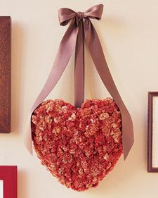 25 DIY Valentine's Day Wreaths - Six Sisters Stuff