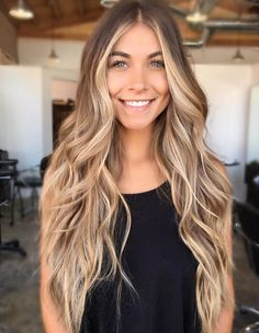 Centre-Parted Mermaid Hair