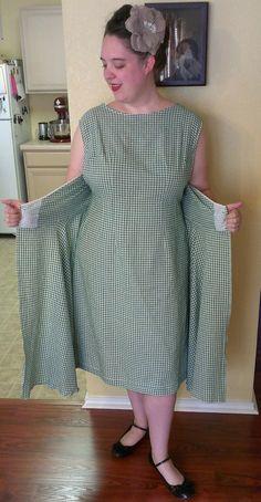 Aux Belles Choses: The Walkaway Dress - Retro Butterick 4790