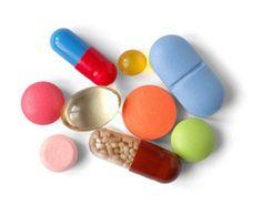 Antidepressivos podem ser utilizados em conjunto com outros medicamentos?  Em geral, na comparação com indivíduos saudáveis, os pacientes com quadros depressivos apresentam maior probabilidade de interações medicamentosas, uma vez que os antidepressivos costumam ser prescritos por um longo período de tempo, muitas vezes por anos. A literatura médica descreve interações medicamentosas de significativa importância entre algumas classes de antidepressivos e outros medicamentos comumente…