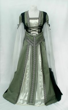MEDIEVAL RENAISSANCE DRESS, WITH Y BELT, TUDOR GOWN, ONE REGULAR SIZE TO FIT ALL