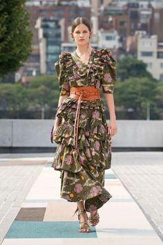 Catwalk Fashion, Fashion Week, Fashion 2020, New York Fashion, Spring Fashion, Fashion Show, Fashion Trends, Modest Fashion, Boho Fashion