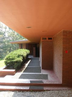 Lowell Walter House in Quasqueton, Iowa. 1950. Usonian Style. Frank Lloyd Wright.