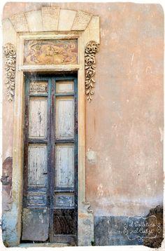 #sicily #sicilia Old Doors, Windows And Doors, When One Door Closes, Closed Doors, Pathways, Bridges, Gates, The Past, Paradise