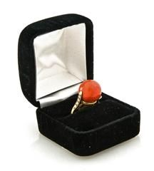 Coral Ring Set On Gold With Diamonds #VintageCocktailRings