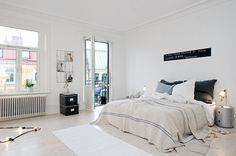 Here we showcase a a collection of perfectly minimal interior design examples for you to use as inspiration. Interior Design Examples, Pretty Bedroom, Loft Spaces, Beautiful Interiors, White Interiors, Home Decor Bedroom, Bedroom Ideas, Master Bedroom, Best Interior