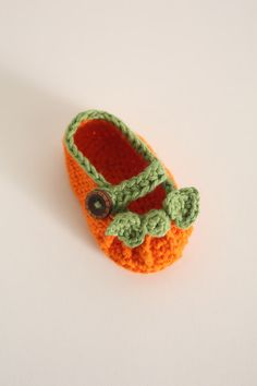 Pumpkin Baby Booties - CROCHET PATTERN