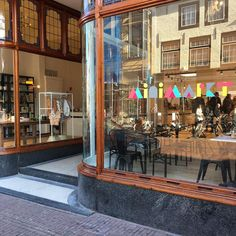 Store and eatery - very kids proof - breakfast & lunch - cool presents - love the clothes http://www.minimarkt-store.com/over-ons/onze-winkels/