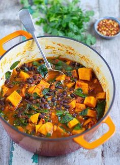Sweet Potato & Black Bean Stew - Gluten Free & Vegan and a portion! This Sweet Potato & Black Bean Stew is the perfect comforting dish to make during this cold weather Healthy Food Recipes, Veggie Recipes, Healthy Meals, Whole Food Recipes, Vegetarian Recipes, Healthy Eating, Cooking Recipes, Vegan Black Bean Recipes, Vegetarian Stew