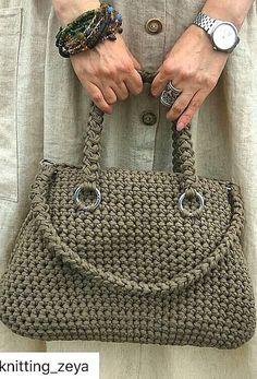 Carefully Crafted Beautiful Crochet Bag Models - Page 15 of 16 - Womens ideas Free Crochet Bag, Crochet Bags, Easy Crochet, Crochet Handbags, Crochet Purses, Crafts Beautiful, Beautiful Crochet, Crochet Motifs, Crochet Patterns