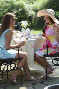 Southern Ladies lunching at the Country Club Ladies Luncheon, Ladies Who Lunch, Southern Ladies, Southern Belle, Southern Charm, Southern Prep, Southern Cottage, Southern Hospitality, Southern Comfort