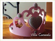 Villa Caramelo: Coronas de Goma Eva Princess Outfits, Ideas Para Fiestas, Maya, Table Lamp, Villa, Halloween, Birthday, Crafts, Home Decor