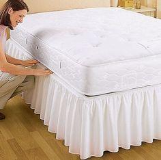 Cama Bath Home Decor Tabletop Room Interior, Interior Design Living Room, Draps Design, Bed Cover Design, Designer Bed Sheets, Mattress Frame, Curtain Designs, How To Make Bed, Bed Covers