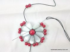 Learn jewelry making and beadingHandmade-Jewelry-Club