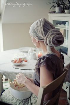 a scarf in my hair, then making an apple pie Turbans, Headscarves, Moslem, Hair Cover, Domestic Goddess, Christian Women, Mode Style, Scarf Styles, Head Wraps